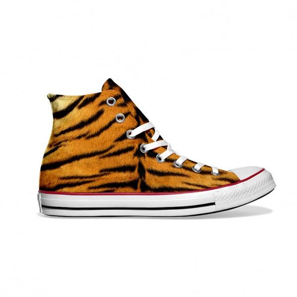 Converse-Chucks-bedruckt-mit-tiger-rechts-außen
