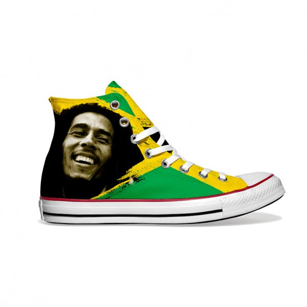 Converse-Chucks-bedruckt-mit-jamaika-rechts-außen