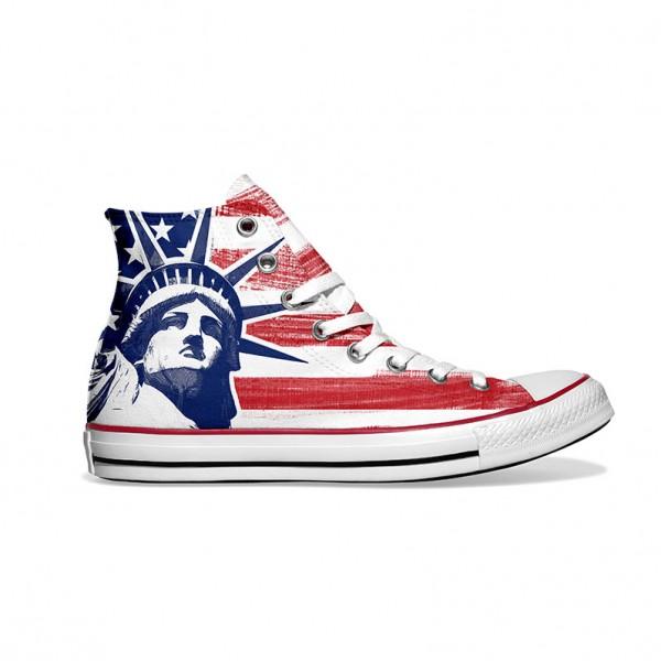 Converse-Chucks-bedruckt-mit-usa-new-york-rechts-außen